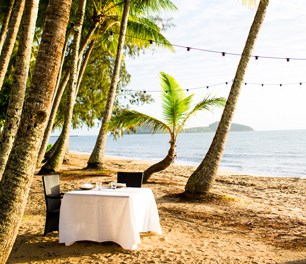 Beachfront Dining Restaurant on the Beach Sea views Nu Nu Alamanda Palm Cove