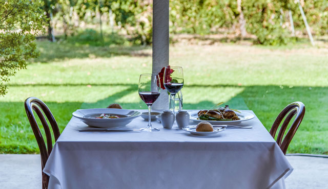 Mothers Day High Country Winery Lunch Gift Boutique Hotel Lindenwarrah Milawa Brown Brothers