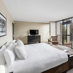 Lancemore Mansion Hotel Werribee Park staycation superior room