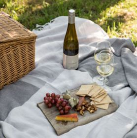 Lindenderry Mornington Peninsula Picnic Lunch Cellar Door Weekend Idea Gift
